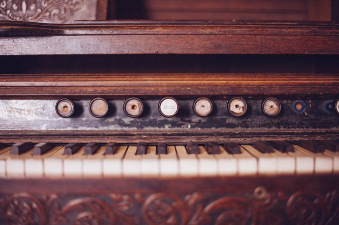 public-domain-images-free-stock-photos-old-organ-piano-keys-vintage-wood-rustic-1000x666